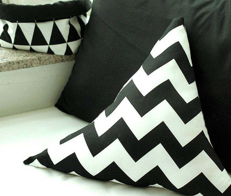 Black and white zigzag 100% Cotton Fabric / All sizes / Quilting fabric  (ff154)