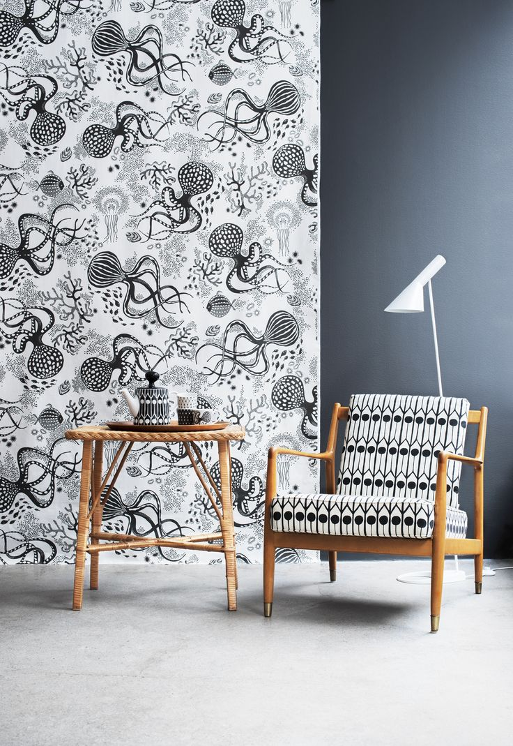 Littlephant_Aquatic_BkW_wall_Feathers_lounge_LOW_RES
