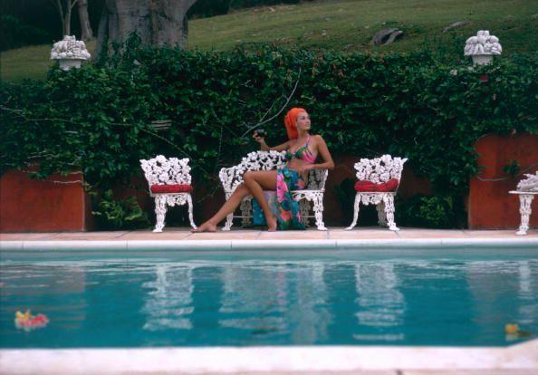 Lounging in Bermuda - Slim Aarons