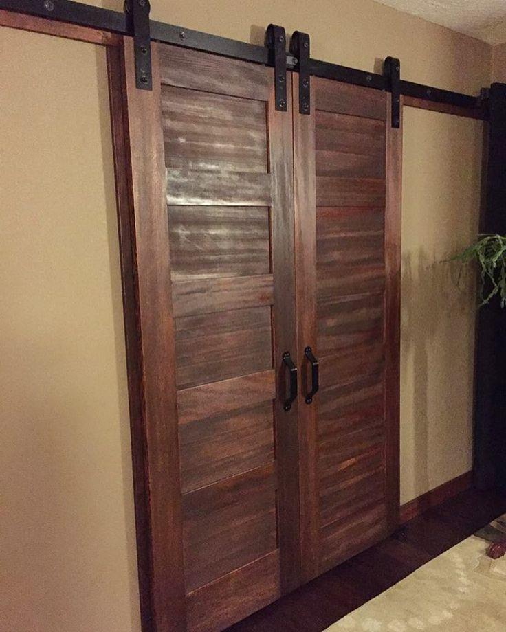 Best 25 closet barn doors ideas on pinterest bathroom for Closet rusticos