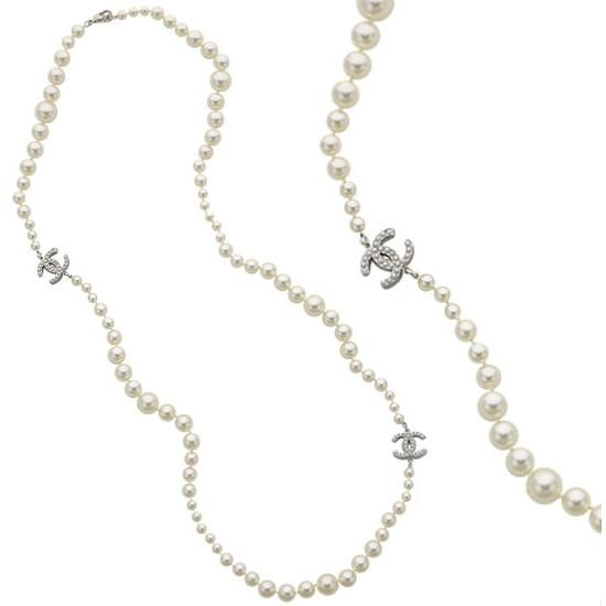 Long Chanel pearl necklaces, an obsession I inherited from my mother ...