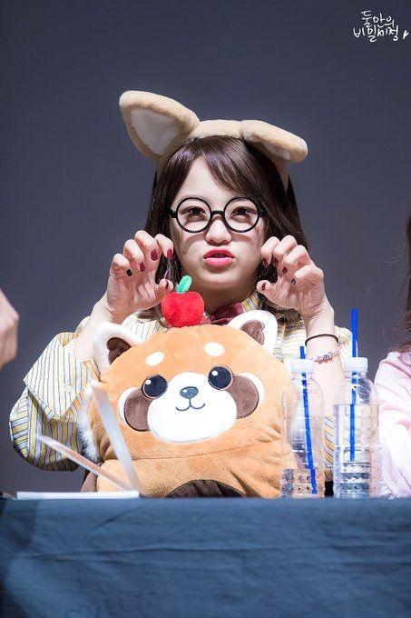 170326 - Kim Sejeong @ Myundong Fansign Event (cr.Secret_Sejeong)   Twitter