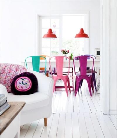 chaises deparaillees pour plus de gaiete