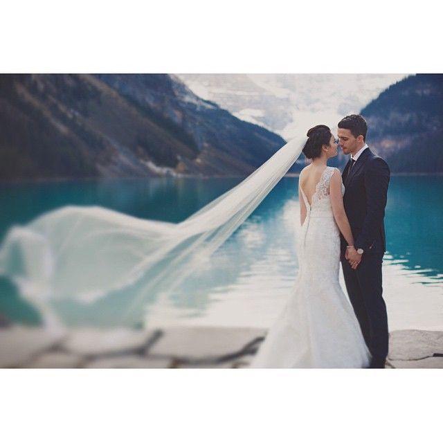 Una nueva semana empieza llena de cositas buenas. Vamos a comenzar con fuerza, ánimo y alegría. Foto @katch_studios #wedding…