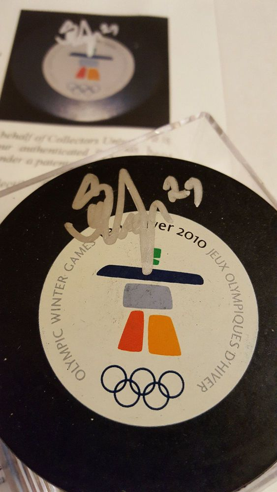 2010 Olympic Game Puck PSA DNA Grade 10 Signed by Scott Niedermayer Team Canada #Canada
