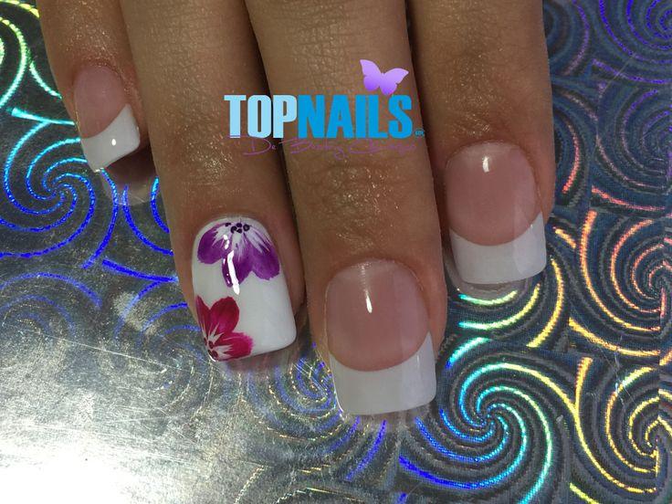 Uñas Acrílicas Francesas y Decorado Floral (Acrylic Nails French and Floral Decorated)  Hazte Fans o Me Gusta  en https://www.facebook.com/topnails.cl   www.topnails.cl ☎94243426, saludos Beatriz