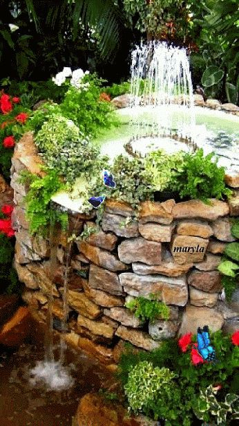 gifs hermosos  flores y paisajes encontradas en la web