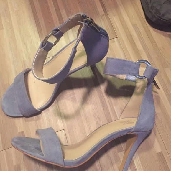 Heels baby blue Victoria's Secret! Super cute vs heels size. Worn once.       Can also accept venm🅾️ payments with free shipping. I AM MOVING TO EUROPE! I HAVE TO GET RID OF EVERYTHING IN MY CLOSET! I HAVE A FANTASTIC BUNDLE DISCOUNT AND CANNOT BUDGE ON PRICES BECAUSE I AM SAVING FOR THE MOVE IM SORRY. Victoria's Secret Shoes Heels