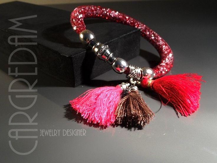 Bracelet résille tubulaire femme cristal strass rouge vermillon et argent trois pompons : Bracelet par shamballa-s-cargredam1
