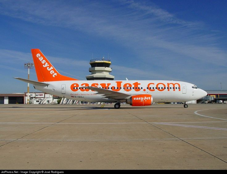 Boeing 737-36N, easyJet, G-IGOJ, cn 28872/3082, 148 passengers, first flight 29.10.1998 (Go Fly), easyJet delivered 31.7.2002, next bmibaby (13.1.2006). Active, Canadian North (7.11.2014). Foto: Faro, Portugal, 28.10.2002.