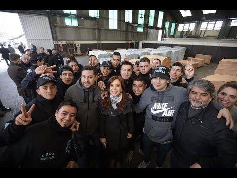 Cristina Kirchner recorrió la cooperativa Cuero Flex en San Martín.