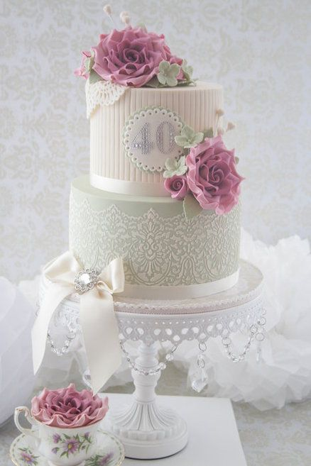 Old fashion Sugar lace and wild roses:: This would be great for a vintage wedding!! :: Cakes with lace, pearls, and flowers