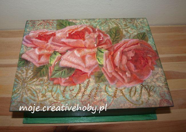 Szukasz pomysłu na elegancki podarunek dla bliskiej osoby? Niech podpowiedzią będzie pudełko z różami :)
