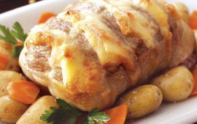 Χοιρινό με χαλούμι στο φούρνο - iCookGreek