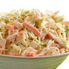 Aquí tienes la receta básica de la ensalada de col americana (coleslaw) y muchas ideas para versionarla y personalizarla a tu gusto.