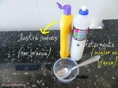 Como tirar manchas de óleo de roupa já lavada. O segredo: 1/2 porção (1 colher) de lustra móveis branco + 1/2 porção (1 colher) de detergente incolor ou branco. Coloque a 'solução' sobre as manchas e aguarde uns 40 minutos. Enxague esfregando um pouquinho.
