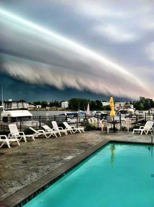 Awesome Cloud Tsunami. #tsunami #weather #clouds