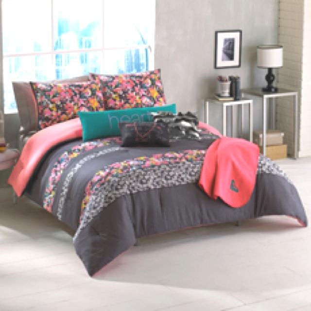 Roxy Samantha Full/Queen Comforter Sham Body Pillow Throw Bedding Set  I  Love This So Much!
