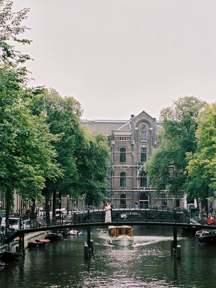Must have Amsterdam engagement photos! Wedding Elopement Photographer Amsterdam | Engagement Session | Film Photographer