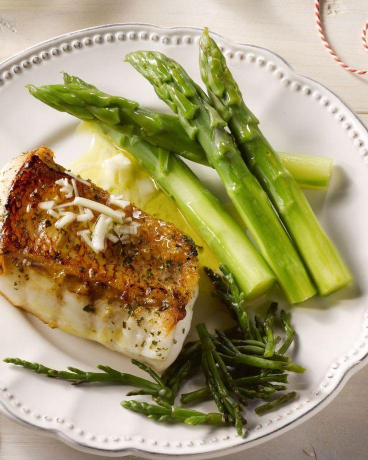 Roodbaars is een stevige vissoort, en kan je dus perfect grillen of op de barbecue leggen. Heerlijk met de citroenvinaigrette erover!