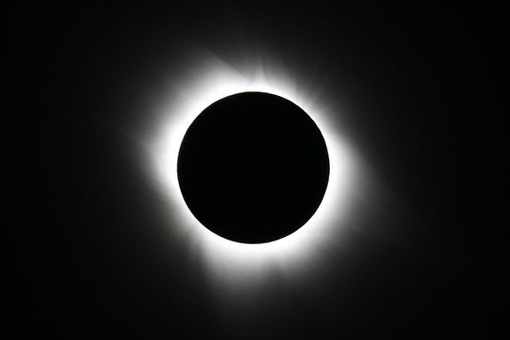 Total solar eclipse on July 11, 2010, ANOTHER ONE LIKE THIS COMING  THIS MONTH