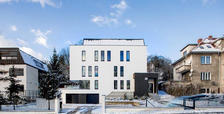 Easst.com / Office Building 004 / Poznan, Poland