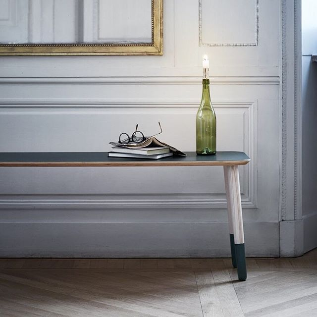 Play around with our new 3D tool: the Tops+Pegs Combiner with endless possibilities to create your own personalized pallet, bench or table.Link in bio.Photo credit:@asaliffner #prettypegs #furniturelegs #möbelben #sofalegs #bedlegs #storagelegs #soffben #sängben #scandinaviandesign