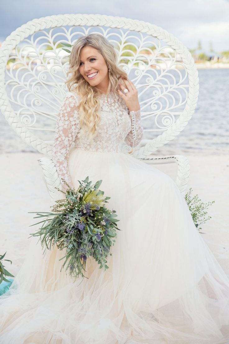 Luxe boho beach wedding with a touch of glam. Australian wedding on the Sunshine Coast in Queensland | The Bride's Tree