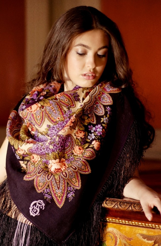I love me some Russian scarves? This new brand Comtesse Sofia totally meets my expectations. What do you think?