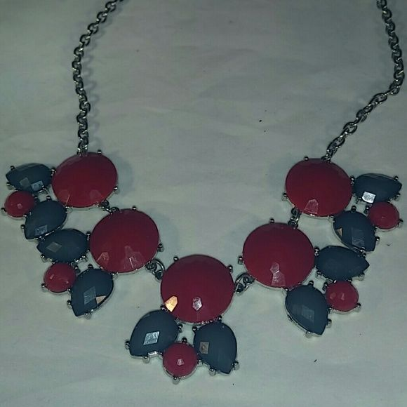 """Statement Necklace & Earrings Still on the card. These are so cute. Add a pop of color to your outfit. Measures 10"""" from the card to the bottom of the necklace. Charming Charlie Jewelry Necklaces"""