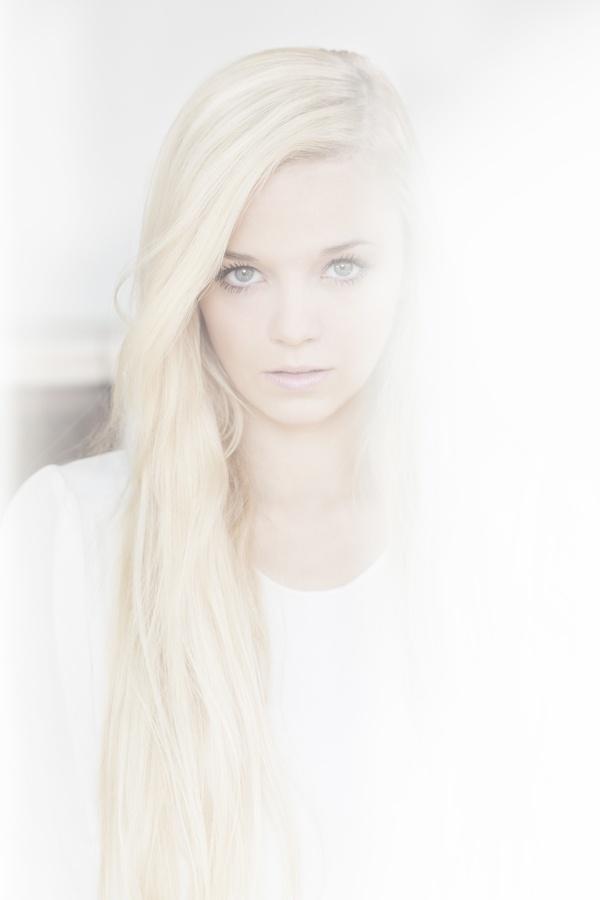 senior portrait?:)   @Chelle Honiker-Yarbrough