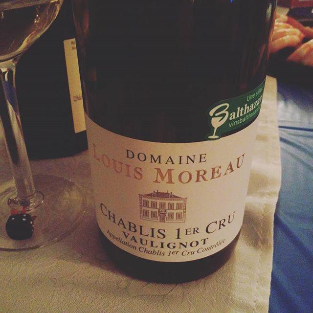 Party ! Ça commence #vin #blanc #chablis 1er cru #vaulignot @vins.balthazard joyeux #noel