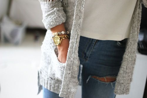 Afbeelding via We Heart It https://weheartit.com/entry/121063291 #accessoires #basic #bedroom #bracelet #classic #classy #denim #diamond #dress #fashion #girl #glam #glamour #gold #hair #heels #jewelry #livingroom #outfit #pearl #ring #shirt #shoes #style #summer #tshirt #watch #white #trouser #selfie