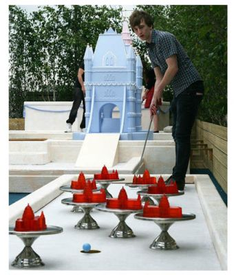 Bompas and Parr  crazy jelly golf on the roof of Selfridges.