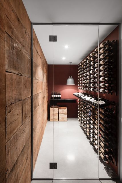 Rencontre avec Manon Bélanger et Henri Cleinge, respectivement designer d'intérieur et architecte, qui se sont associés pour construire une maison sur mesure sur le Plateau Mont-Royal.