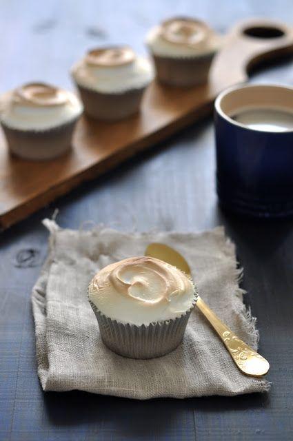 Cupcakes de limón merengados. Receta cupcakes de limon.