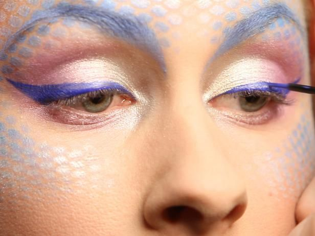 Mermaid makeup tutorial for a costume party