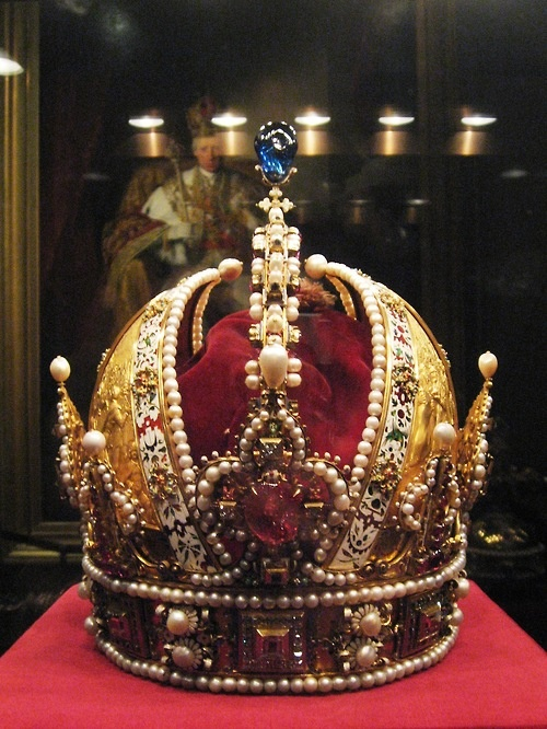 Personal Imperial Crown made for Holy Roman Emperor Rudolf II. It later became the Imperial Crown of Austria.