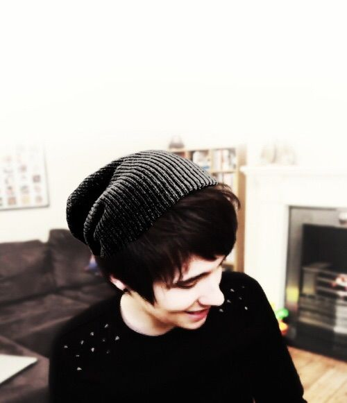 """{FC: Dan Howell/ Danisnotonfire} """"Hey there. My name's Dan and I'm 16 years old. I love playing video games, making YouTube videos, and wasting my life on tumblr. I guess I'm pretty sarcastic, but I can be friendly. I also have a twin sister named Sailor. Aaaaaaand, I'm gay. Anyway, who are you?"""" {Phan anyone? :3}"""