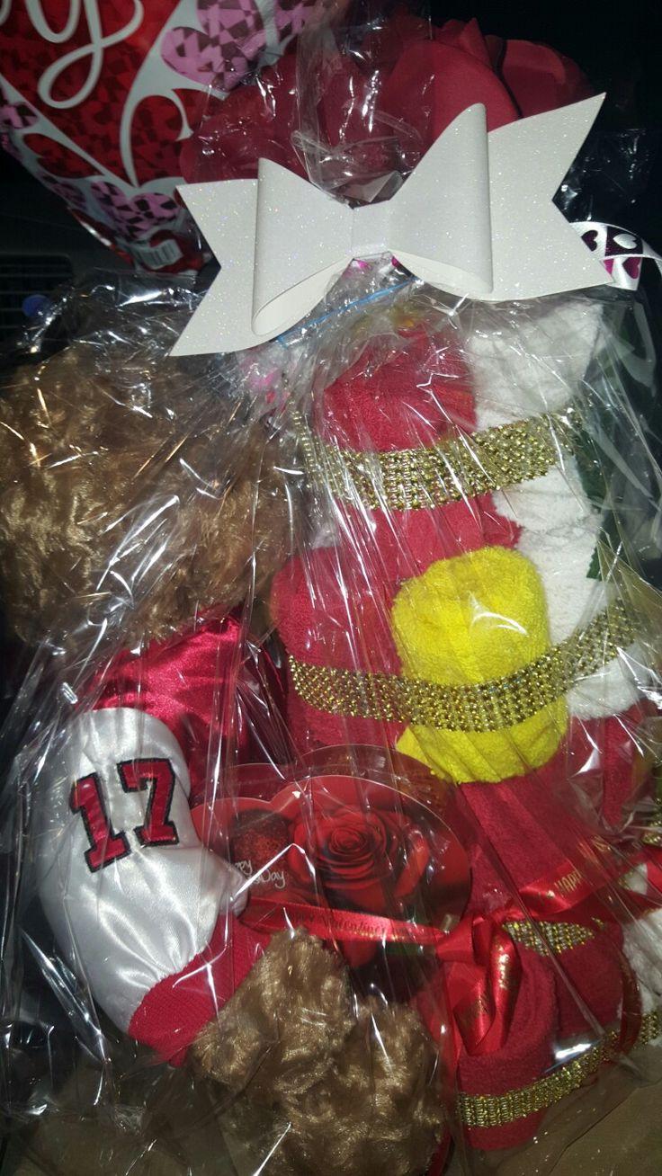 Redskins valentine towel cake