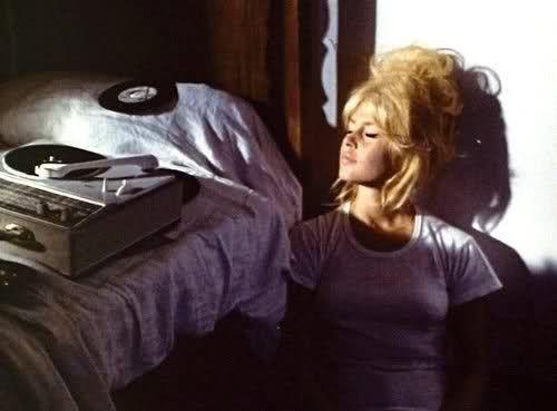 ...: Black Beans Burgers, Bridget Bardot, Vintage Wardrobe, Beautiful, Big Hair, Records Players, Brigittebardot, Brigitte Bardot, Teen Girls