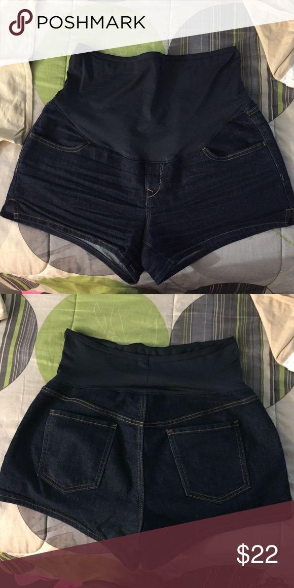 Old Navy maternity stretch shorts Old Navy maternity stretch shorts. Full panel. Size 12. Old Navy Shorts Jean Shorts