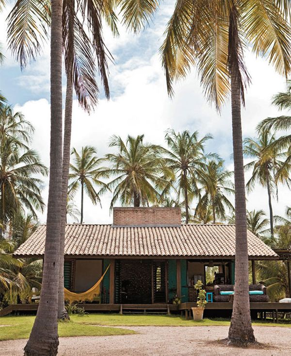 WEEKEND ESCAPE: A BEAUTIFUL HOME IN THE TROPICS | THE STYLE FILES