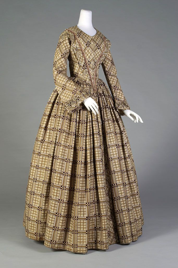 1845, possibly America - Printed wool day dress