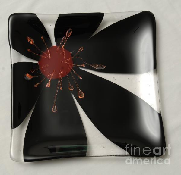 Black n Red Flower