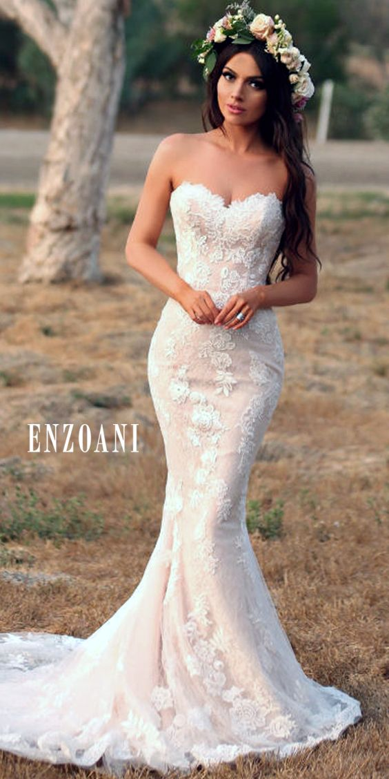 @enzoani is making bridal dreams come true with their stunning gowns! Photo: Jay Jay Productions