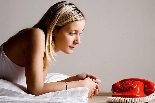 Почему мужчина не звонит? Отвечает психолог по личным отношениям