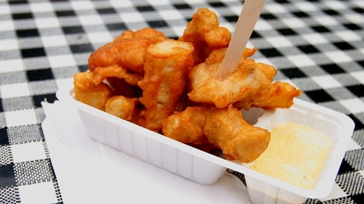 """""""Kibbeling"""": deep fried chunks of cod coated in beer batter. Our favourite Friday afternoon snack. :) #greetingsfromnl"""