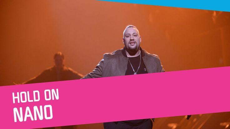 Nano sjunger Hold On i Melodifestivalen 2017.