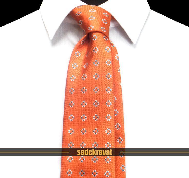 Turuncu Mavi Çiçekli İpek Kravat 5645 8 cm. Klasik Standart, %100 Yüksek Kalite İpek www.sadekravat.com/turuncu-mavi-cicekli-ipek-kravat-5645  #kravat #kravatım #kravatmodelleri #tie #tieoftheday #pocketsquare #örgükravat #ketenkravat #ipekkravat #slimkravat #ortaincekravat #incekravat #gömlek #ceket #mendil #kravatmendilkombin #ofis #bursa #türkiye #çizgilikravat #şaldesenlikravat #ekoselikravat #küçükdesenlikravat #düzkravat #sadekravat